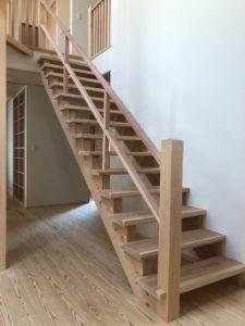階段と薪ストーブと縁側。